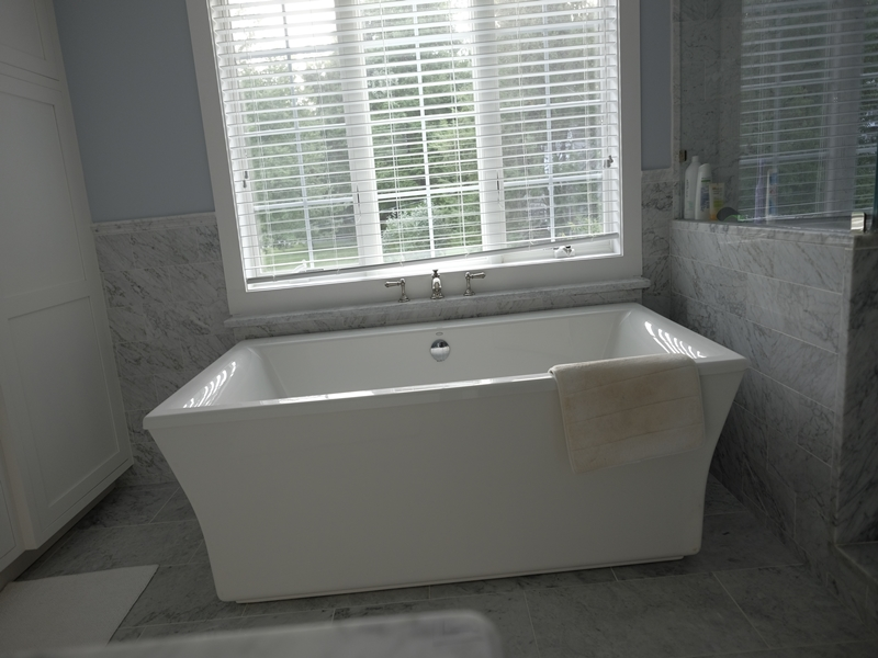 Bathroom Tub | Top Notch General Contracting
