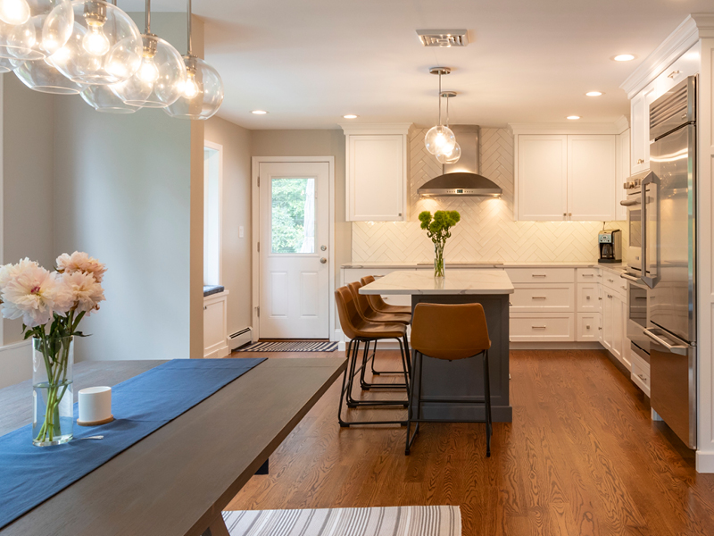 Wayne Kitchen & Dry Bar | Top Notch General Contracting Main Line